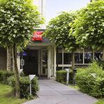 Voordeur van het Ibis hotel in Veenendaal
